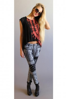 Tripped Out Tie-Dyed Hi-Lo Tee In Black & Red