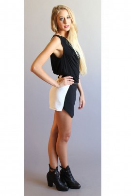 Tres Chic Black & White Skorts